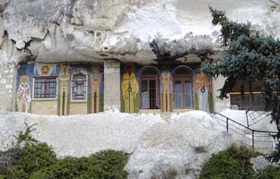 Манстир Аладжа забележителност близо до Албена