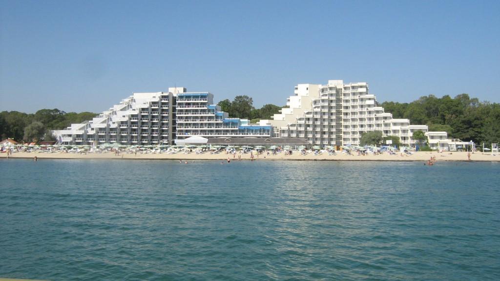 Хотел Албена заедно с плажна ивица